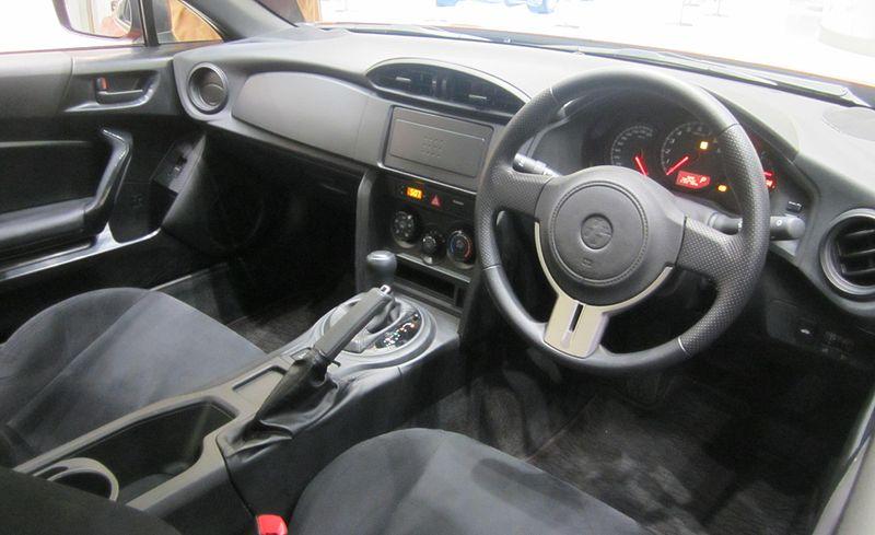 トヨタ 86 G(標準グレード) AT車の内装