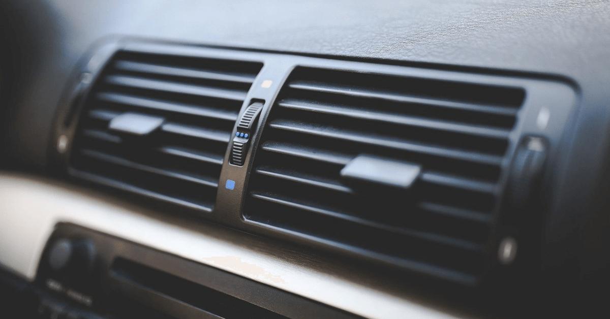 車のエアコンが効かない原因と修理方法や応急処置